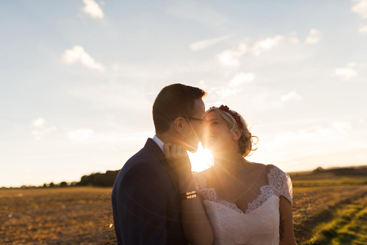 Un mariage guinguette en Vichy rouge et blanc