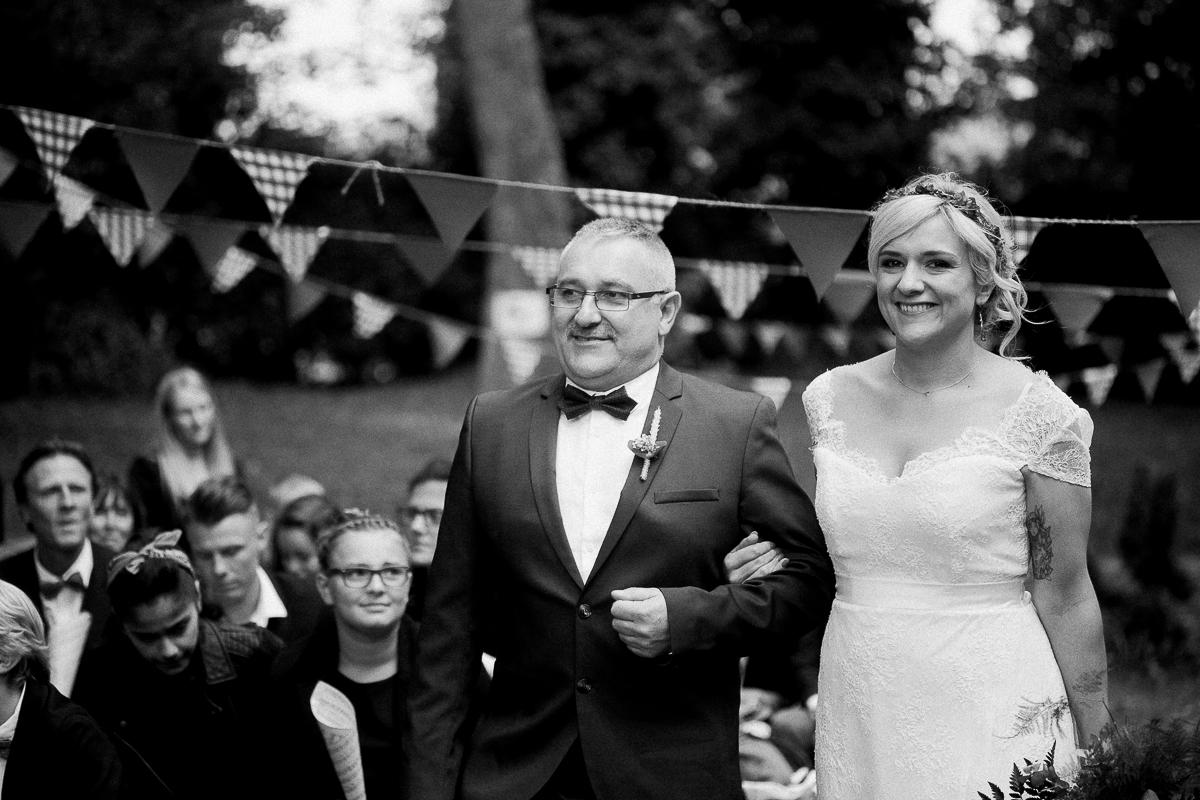 Un-mariage-guinguette-Marine-Szczepaniak-Photographe-mariage-nord-pas-de-calais-53