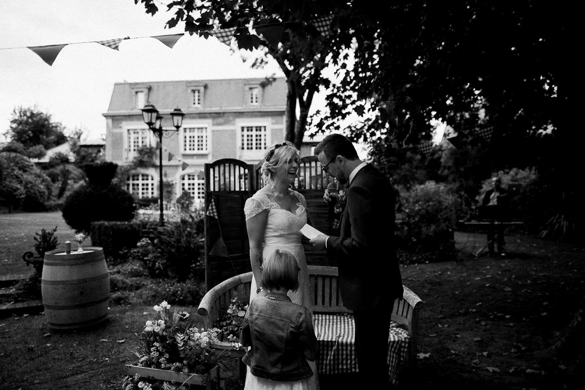 Un-mariage-guinguette-Marine-Szczepaniak-Photographe-mariage-nord-pas-de-calais-65
