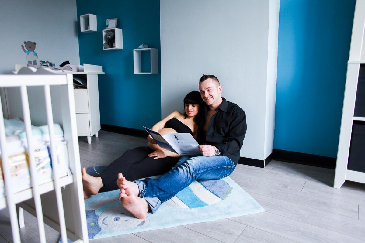 Séance-grossesse-intimiste-à-domicile-marine-szczepaniak-photographe-nord-pas-de-calais