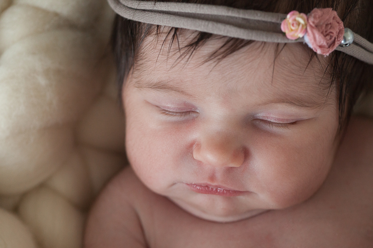 Photographe-bébé-Lille-naissance-nord-pas-de-calais-nouveau-né-bébé-studio-photo-marine-szczepaniak-séance-au-studio