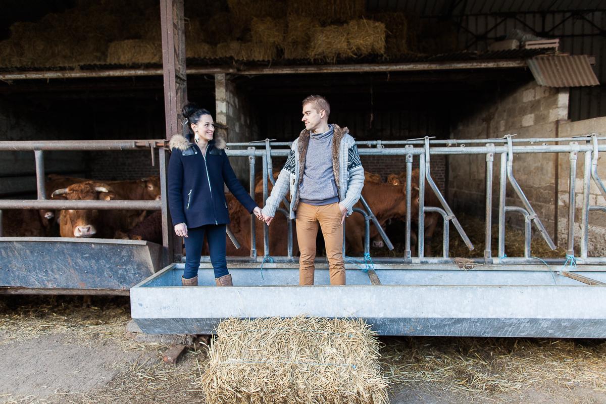 Séance-engagement-dans-une-ferme-champêtre-Marine-Szczepaniak-Photographe-mariage-lifestyle-nord-pas-de-calais-Lille-Béthune-Arras-Lens-13