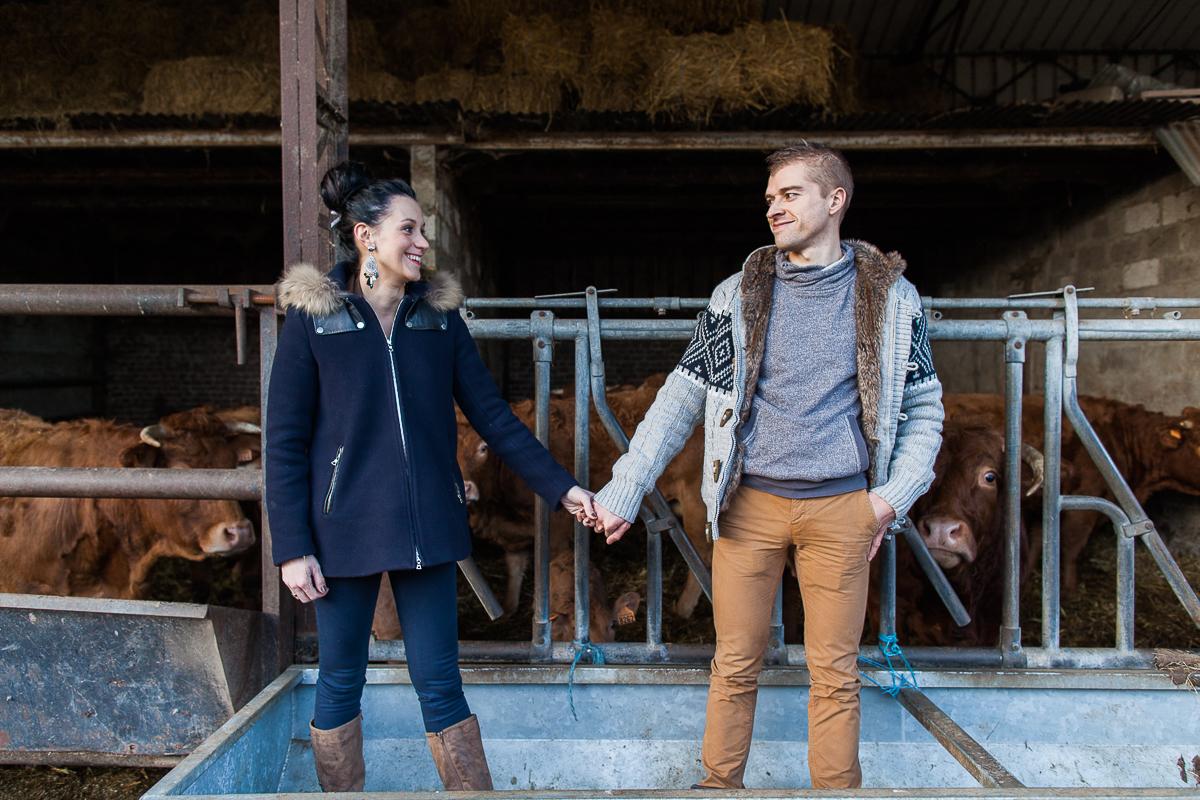 Séance-engagement-dans-une-ferme-champêtre-Marine-Szczepaniak-Photographe-mariage-lifestyle-nord-pas-de-calais-Lille-Béthune-Arras-Lens-20