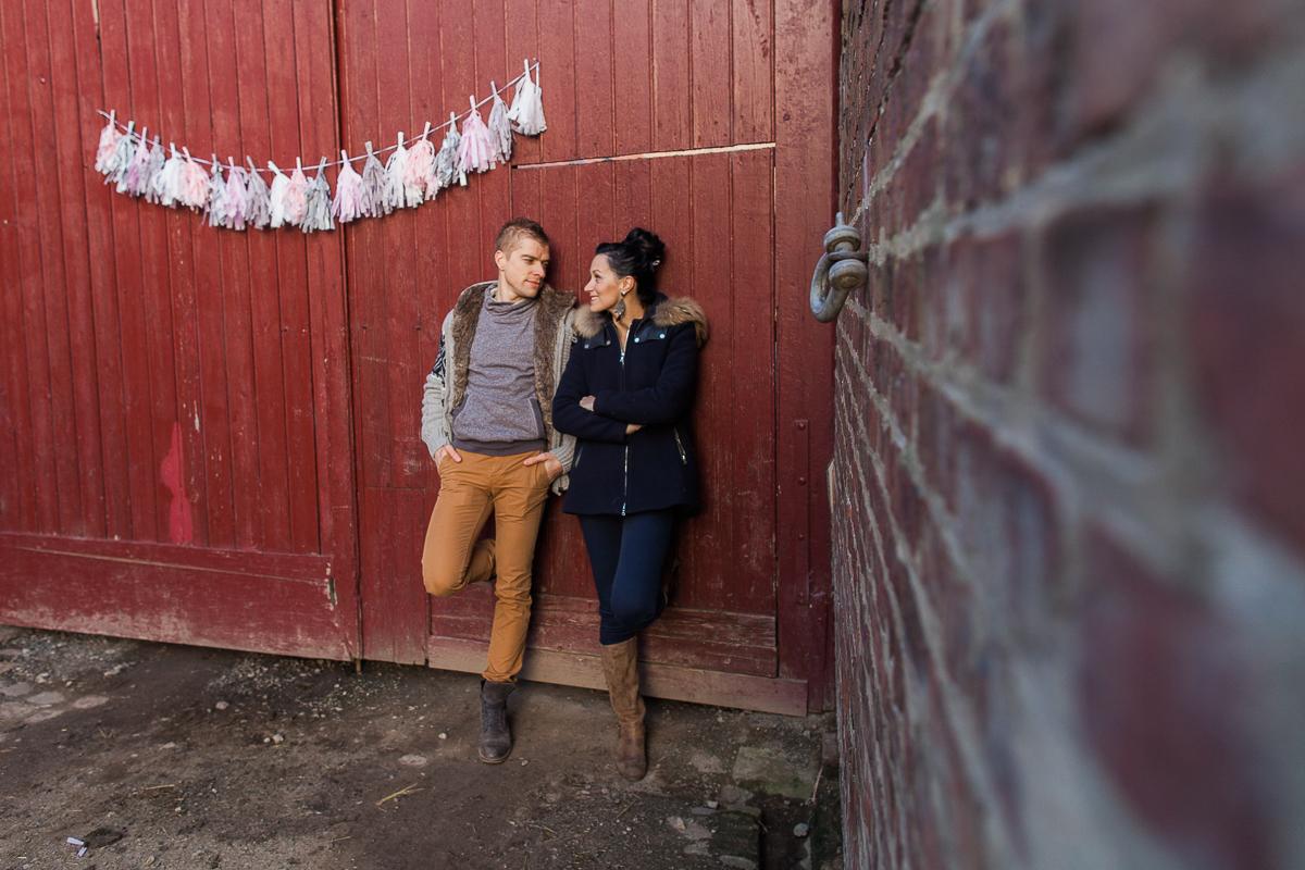 Séance-engagement-dans-une-ferme-champêtre-Marine-Szczepaniak-Photographe-mariage-lifestyle-nord-pas-de-calais-Lille-Béthune-Arras-Lens-26