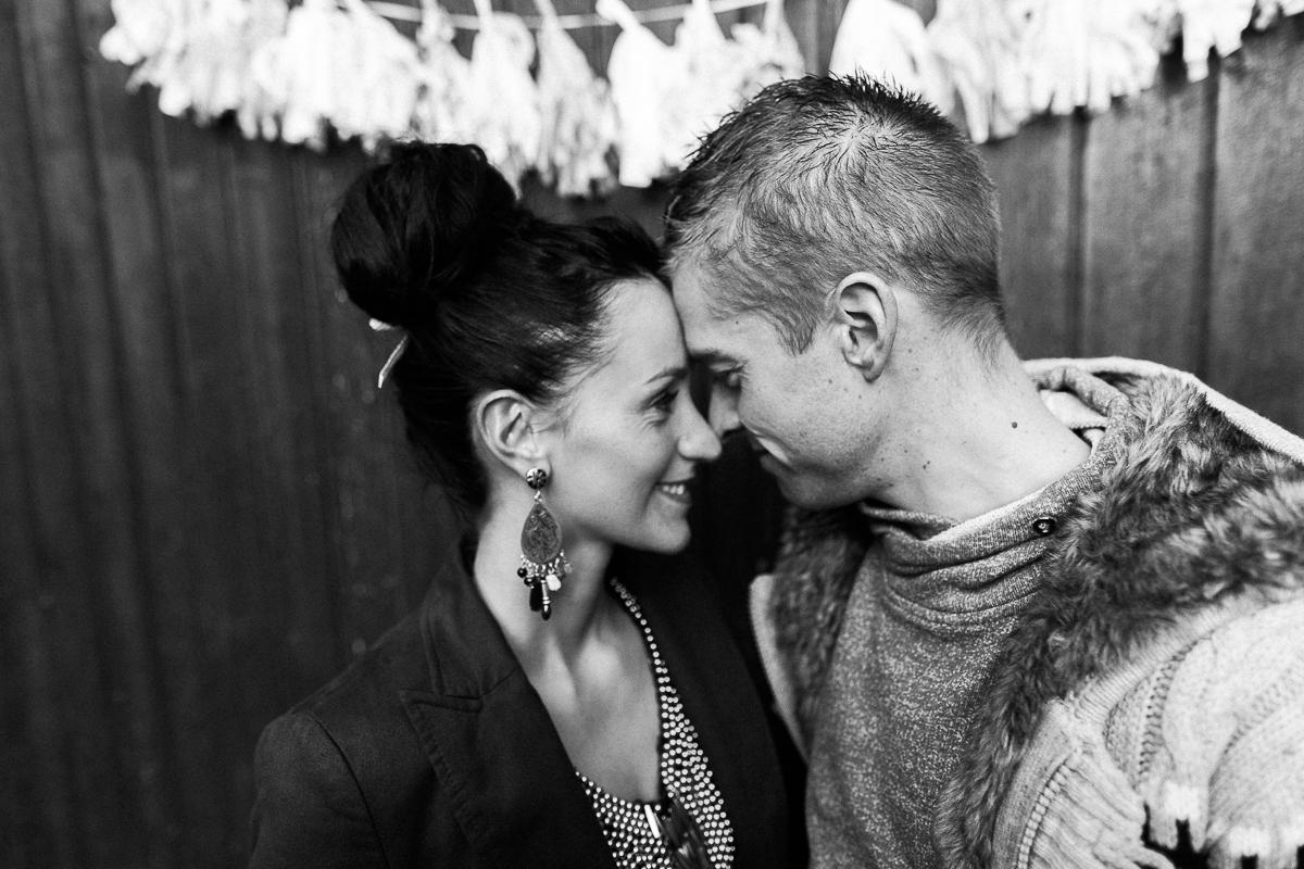 Séance-engagement-dans-une-ferme-champêtre-Marine-Szczepaniak-Photographe-mariage-lifestyle-nord-pas-de-calais-Lille-Béthune-Arras-Lens-3