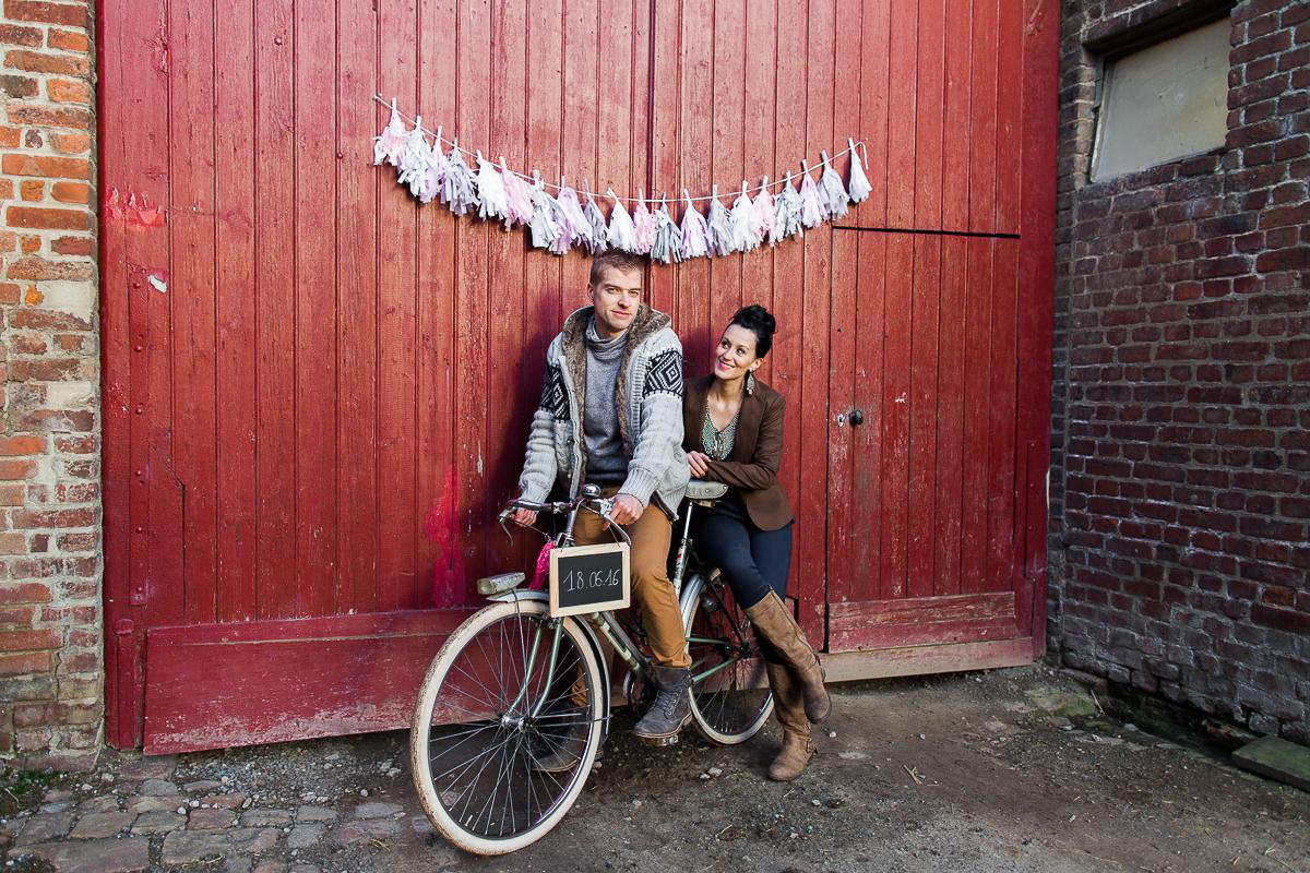 Séance-engagement-dans-une-ferme-champêtre-Marine-Szczepaniak-Photographe-mariage-lifestyle-nord-pas-de-calais-Lille-Béthune-Arras-Lens-8