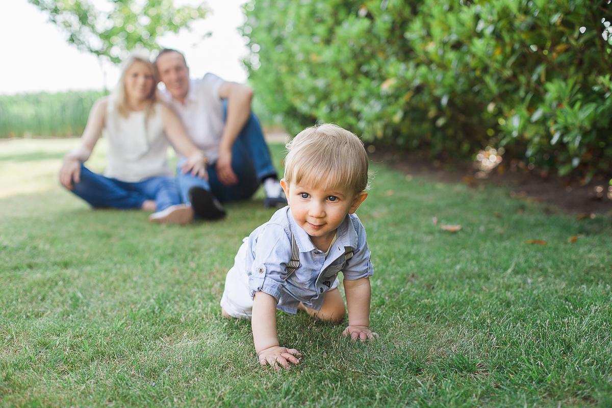 Séance-en-famille-à-domicile-lifestyle-photographe-famille-enfant-bébé-nord-pas-de-calais-marine-szczepaniak-5