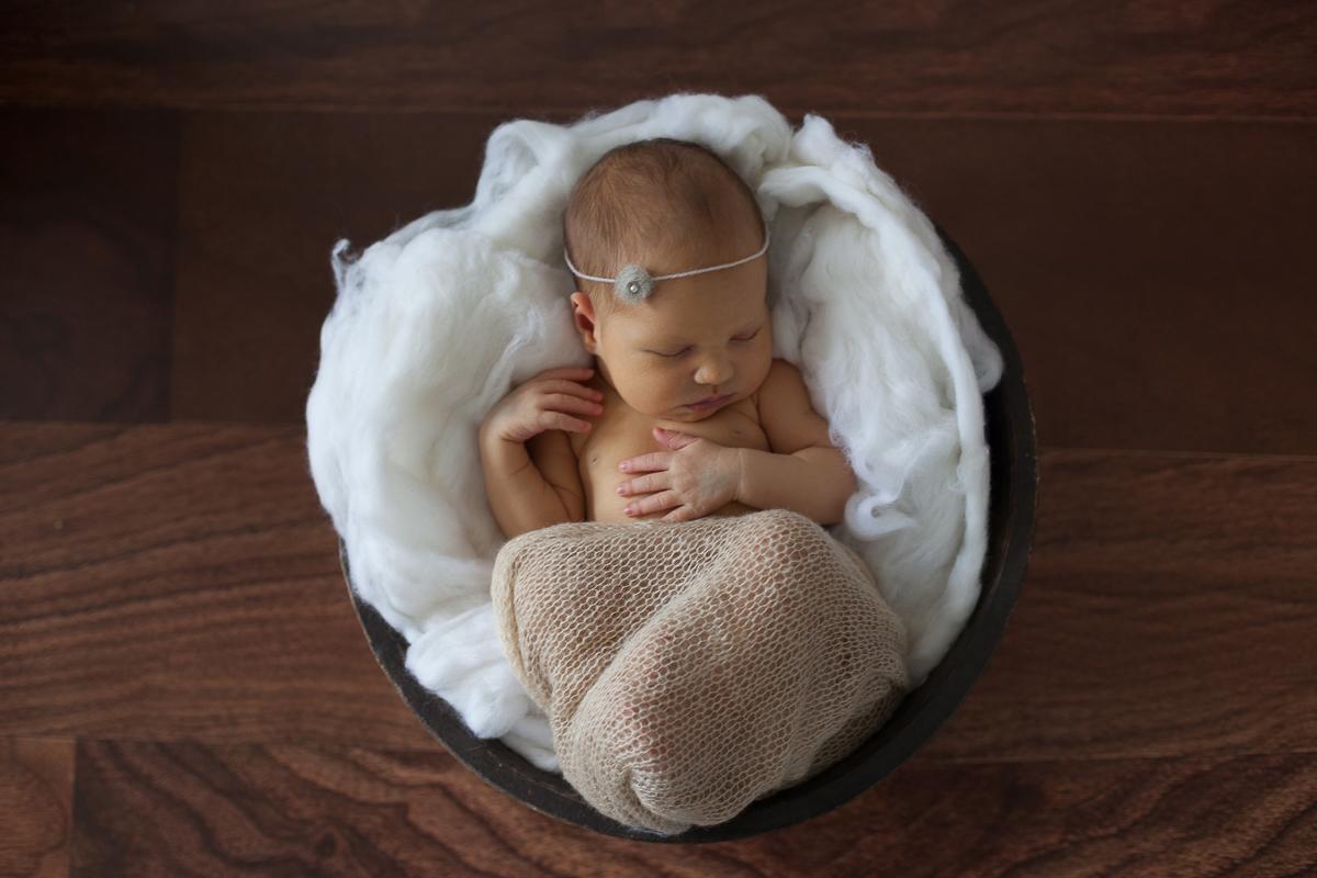 Séance-nouveau-né-au-studio-photo-photographe-bébé-naissance-enfant-nord-pas-de-calais-lille-béthune-lens-2