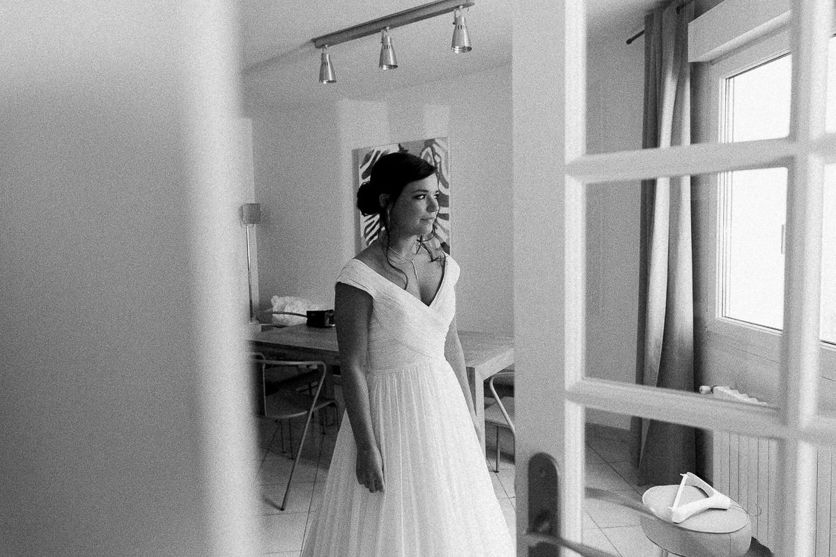 Un-mariage-vintage-jaune-et-bleu-en-moto-et-mini-cooper-au-manoir-des-lys-auchel-marine-szczepaniak-photographe-mariage-nord-pas-de-calais-41