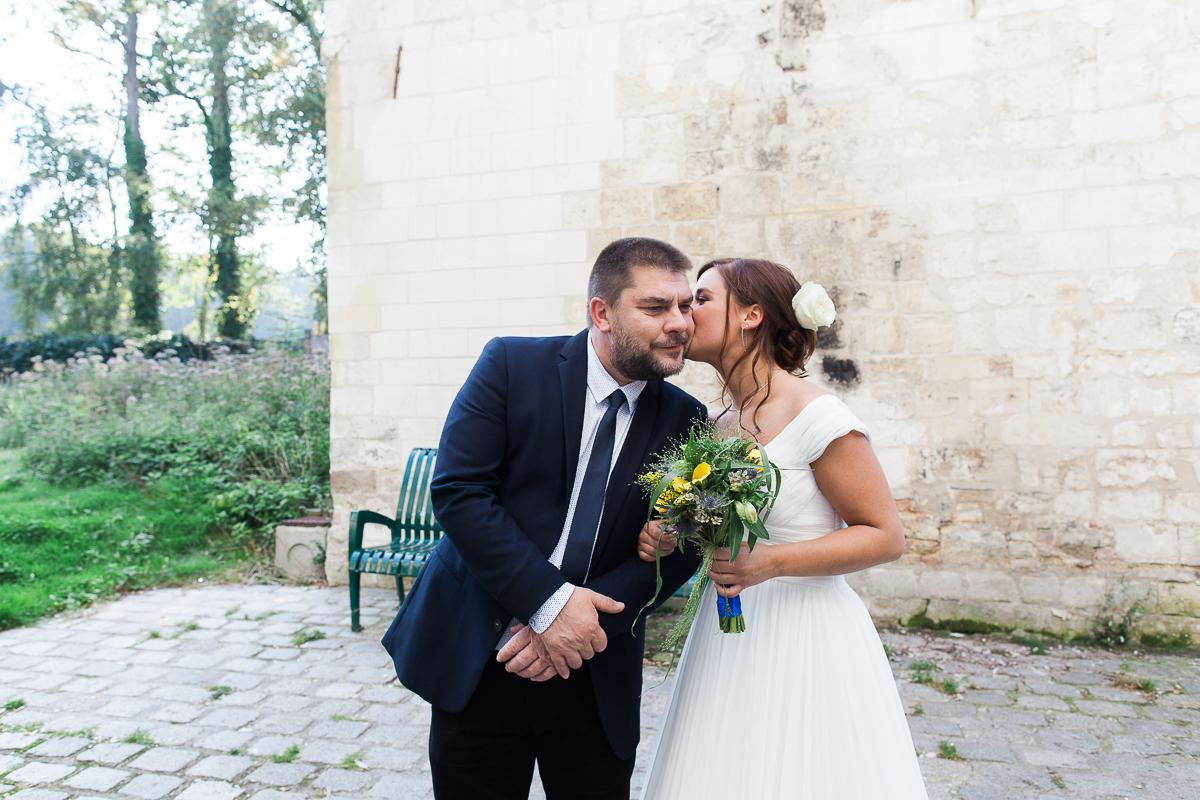 Un-mariage-vintage-jaune-et-bleu-en-moto-et-mini-cooper-au-manoir-des-lys-auchel-marine-szczepaniak-photographe-mariage-nord-pas-de-calais-113