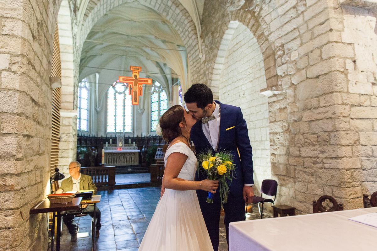 Un-mariage-vintage-jaune-et-bleu-en-moto-et-mini-cooper-au-manoir-des-lys-auchel-marine-szczepaniak-photographe-mariage-nord-pas-de-calais-126