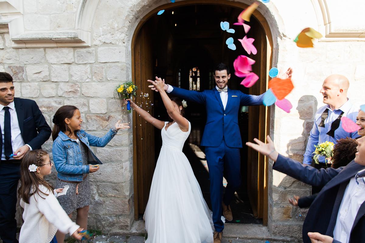 Un-mariage-vintage-jaune-et-bleu-en-moto-et-mini-cooper-au-manoir-des-lys-auchel-marine-szczepaniak-photographe-mariage-nord-pas-de-calais-132