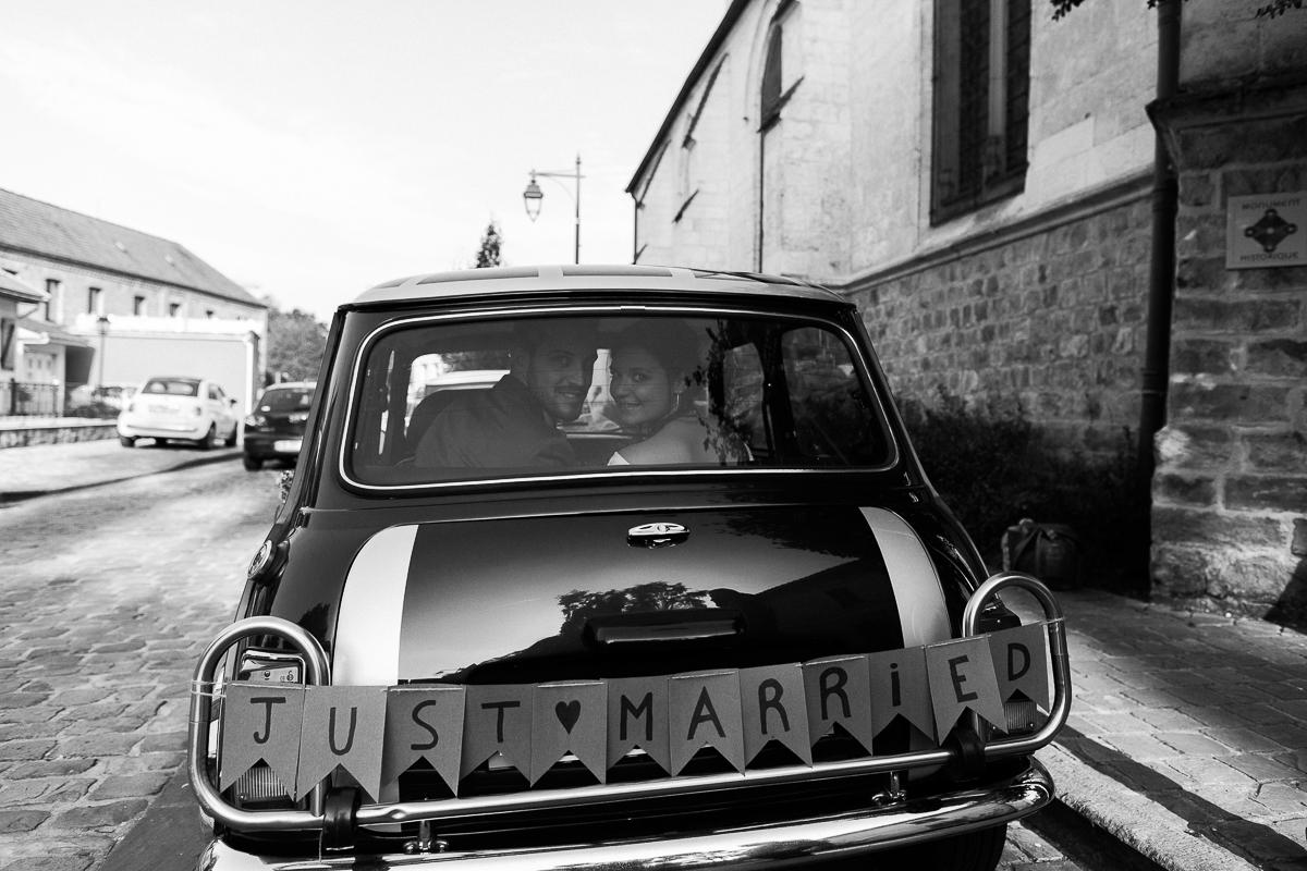 Un-mariage-vintage-jaune-et-bleu-en-moto-et-mini-cooper-au-manoir-des-lys-auchel-marine-szczepaniak-photographe-mariage-nord-pas-de-calais-154