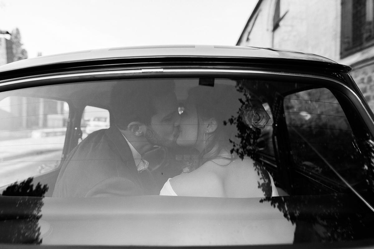 Un-mariage-vintage-jaune-et-bleu-en-moto-et-mini-cooper-au-manoir-des-lys-auchel-marine-szczepaniak-photographe-mariage-nord-pas-de-calais-155