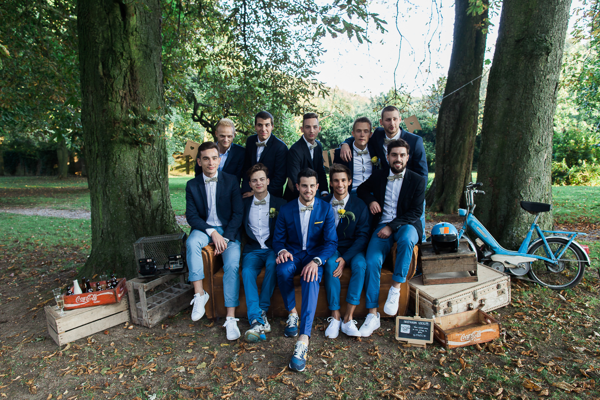 Un-mariage-vintage-jaune-et-bleu-en-moto-et-mini-cooper-au-manoir-des-lys-auchel-marine-szczepaniak-photographe-mariage-nord-pas-de-calais-164
