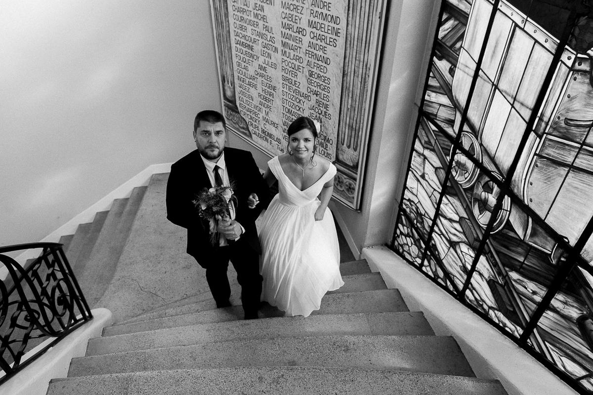 Un-mariage-vintage-jaune-et-bleu-en-moto-et-mini-cooper-au-manoir-des-lys-auchel-marine-szczepaniak-photographe-mariage-nord-pas-de-calais-91