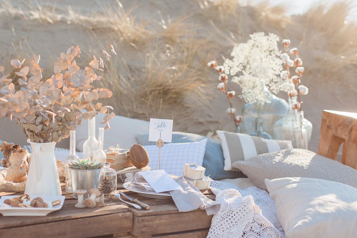 une mari e la plage shooting inspiration mariage. Black Bedroom Furniture Sets. Home Design Ideas