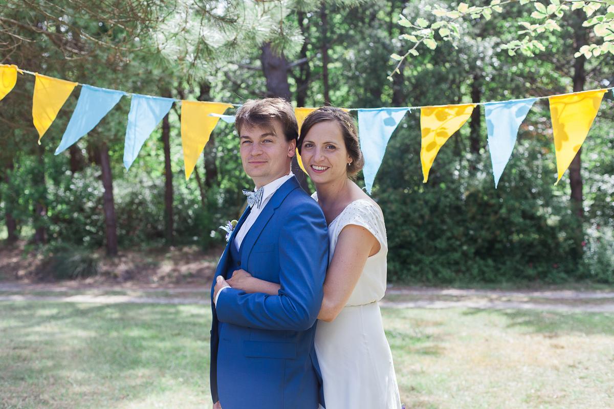 Un-mariage-champêtre-en-Bretagne-en-liberty-jaune-et-bleu-sous-le-soleil-julie-guillaume-marine-szczepaniak-photographe-mariage-nord-pas-de-calais-lille-lens-béthune-arras-lillers-38