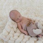 Séance bébé en studio photo – Photographe naissance Lille