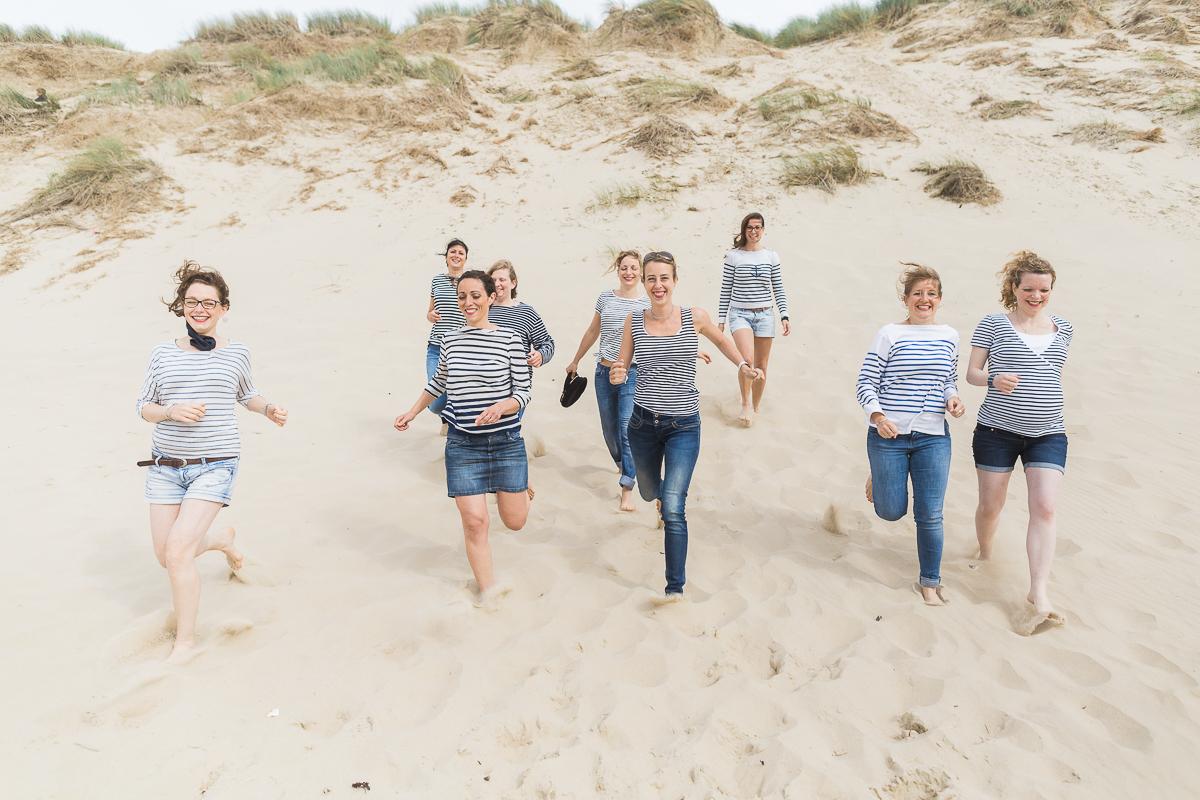 EVJF-à-la-plage-wissant-dans-les-dunes-marine-szczepaniak-photographe-lifestyle-mariage-naissance-nord-pas-de-calais-lille-lens-béthune-arras-23