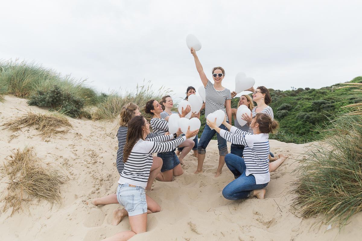 EVJF-à-la-plage-wissant-dans-les-dunes-marine-szczepaniak-photographe-lifestyle-mariage-naissance-nord-pas-de-calais-lille-lens-béthune-arras-3