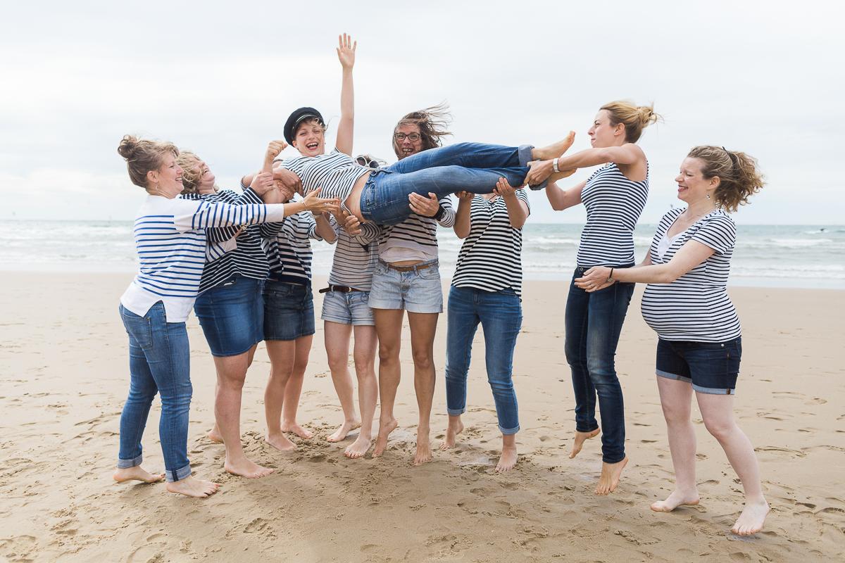 EVJF-à-la-plage-wissant-dans-les-dunes-marine-szczepaniak-photographe-lifestyle-mariage-naissance-nord-pas-de-calais-lille-lens-béthune-arras-62