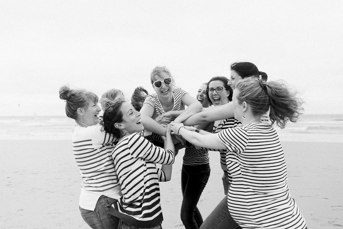 EVJF-à-la-plage-wissant-dans-les-dunes-marine-szczepaniak-photographe-lifestyle-mariage-naissance-nord-pas-de-calais-lille-lens-béthune-arras-81