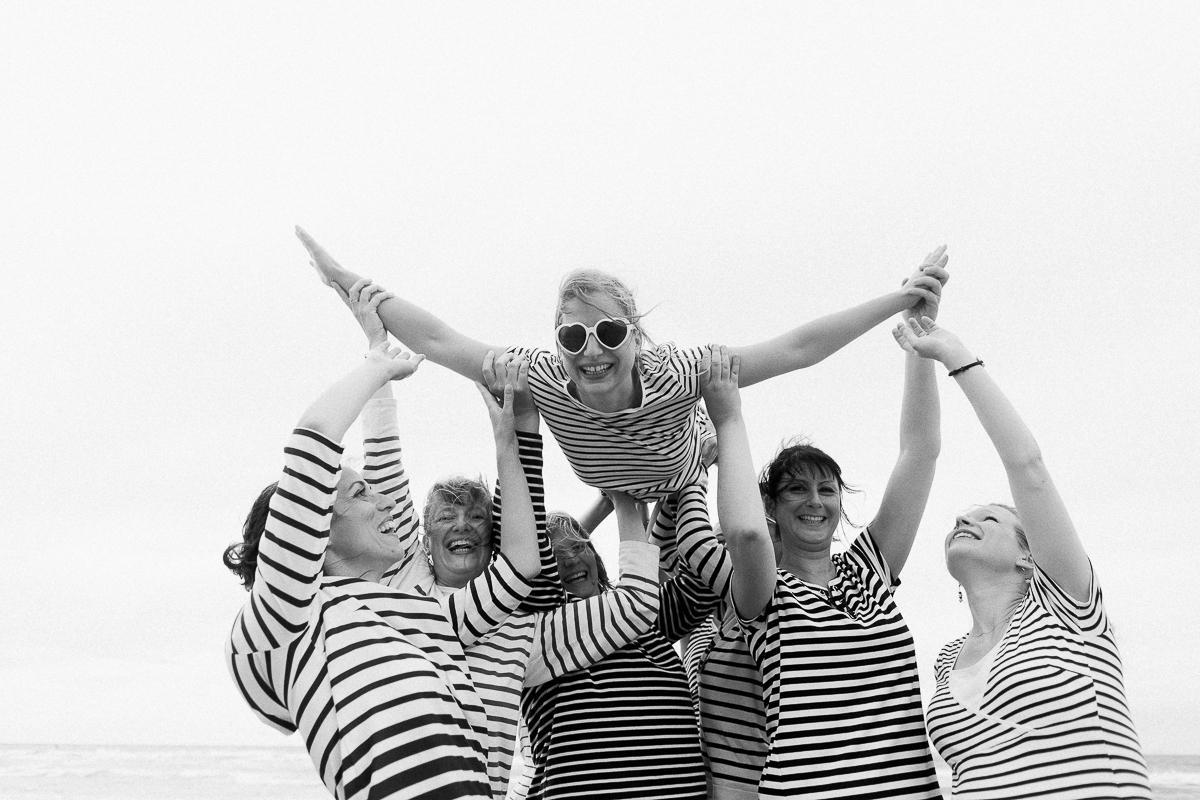 EVJF-à-la-plage-wissant-dans-les-dunes-marine-szczepaniak-photographe-lifestyle-mariage-naissance-nord-pas-de-calais-lille-lens-béthune-arras-87