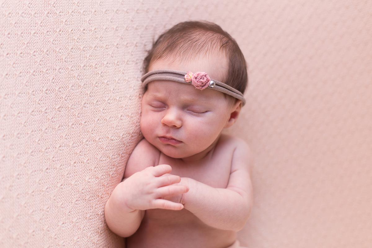 Séance bébé avec Avril – Photographe naissance – Lille
