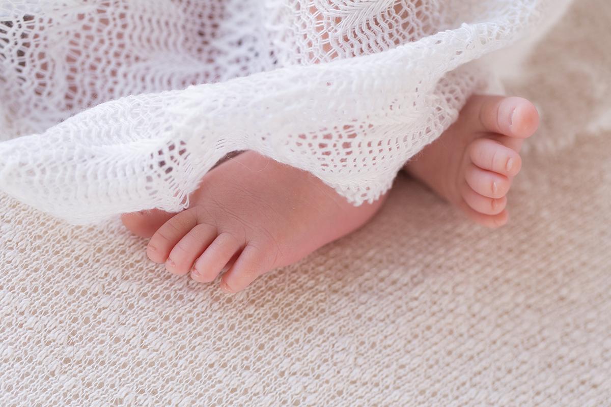 seance-photo-naissance-a-bethune-avec-corentin-marine-szczepaniak-photographe-naissance-bebe-nouveau-ne-pas-de-calais-09