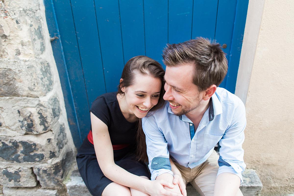 seance-engagement-dans-les-rues-du-vieux-lille-marine-szczepaniak-photographe-mariage-lifetsyle-lens-arras-bethune-lille-01