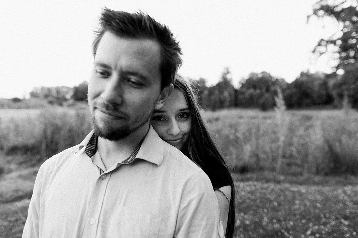 seance-engagement-dans-les-rues-du-vieux-lille-marine-szczepaniak-photographe-mariage-lifetsyle-lens-arras-bethune-lille-15