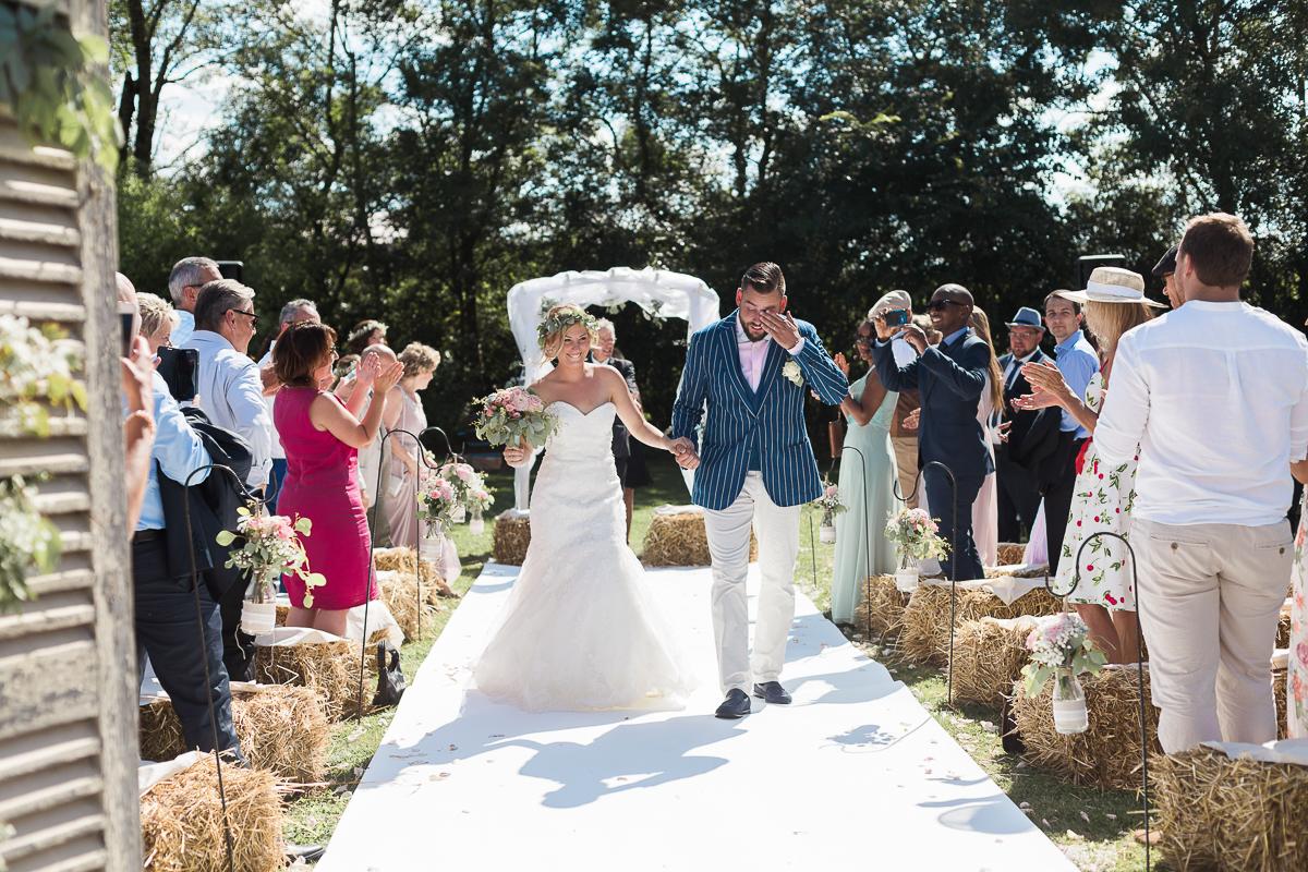 mariage-champetre-chic-ceremonie-laique-ferme-du-tremblay-saint-trivier-de-courtes-marine-szczepaniak-photographe-mariage-nord-pas-de-calais-lille-lens-bethune-paris-valenciennes-32