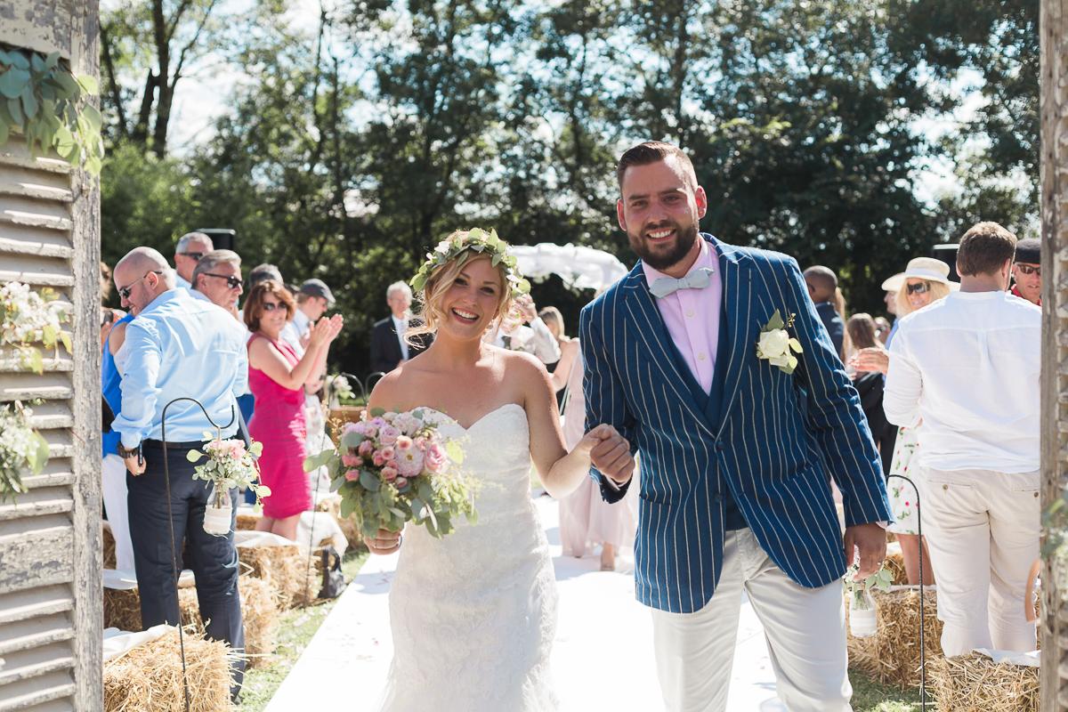 mariage-champetre-chic-ceremonie-laique-ferme-du-tremblay-saint-trivier-de-courtes-marine-szczepaniak-photographe-mariage-nord-pas-de-calais-lille-lens-bethune-paris-valenciennes-33