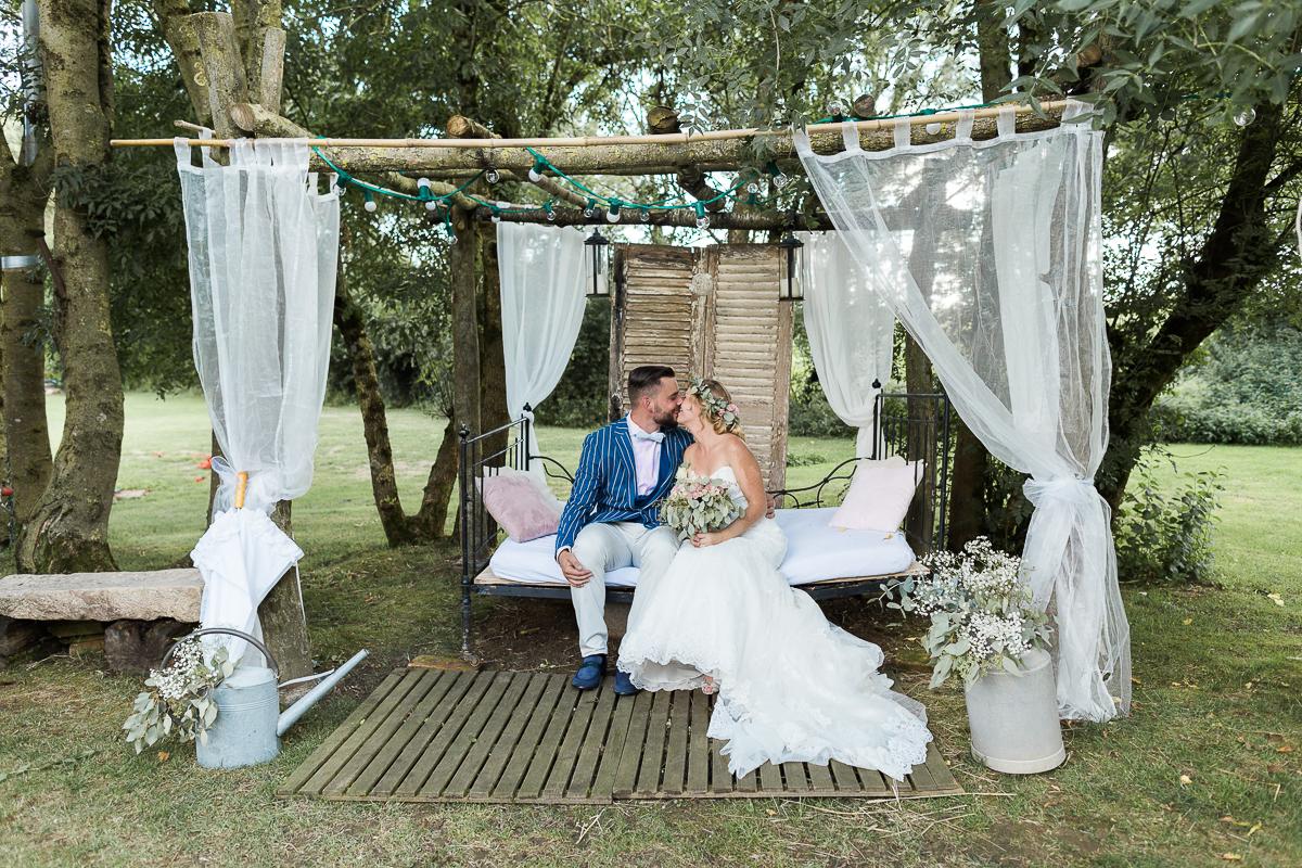mariage-champetre-chic-ceremonie-laique-ferme-du-tremblay-saint-trivier-de-courtes-marine-szczepaniak-photographe-mariage-nord-pas-de-calais-lille-lens-bethune-paris-valenciennes-37