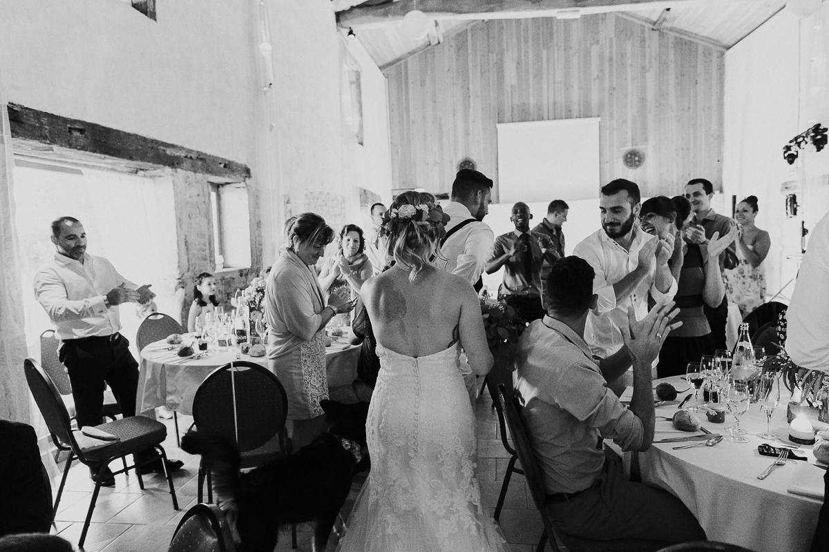 mariage-champetre-chic-ceremonie-laique-ferme-du-tremblay-saint-trivier-de-courtes-marine-szczepaniak-photographe-mariage-nord-pas-de-calais-lille-lens-bethune-paris-valenciennes-52