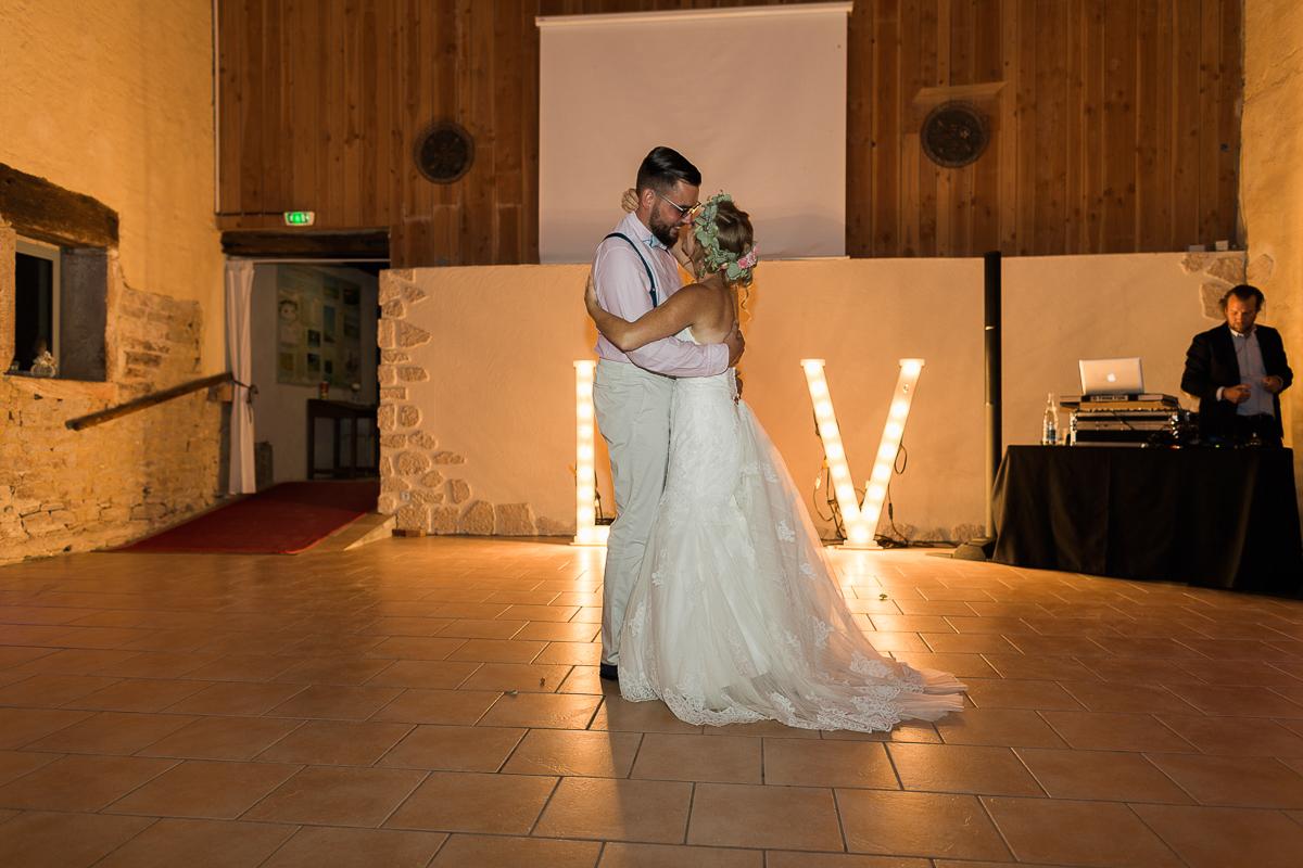 mariage-champetre-chic-ceremonie-laique-ferme-du-tremblay-saint-trivier-de-courtes-marine-szczepaniak-photographe-mariage-nord-pas-de-calais-lille-lens-bethune-paris-valenciennes-59